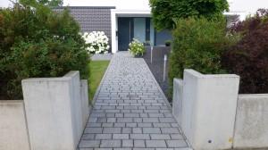 Eingangsgestaltung mit L-Winkel Standardgrau